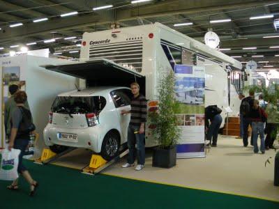 le camping car passe partout visite au salon du camping car 2009. Black Bedroom Furniture Sets. Home Design Ideas