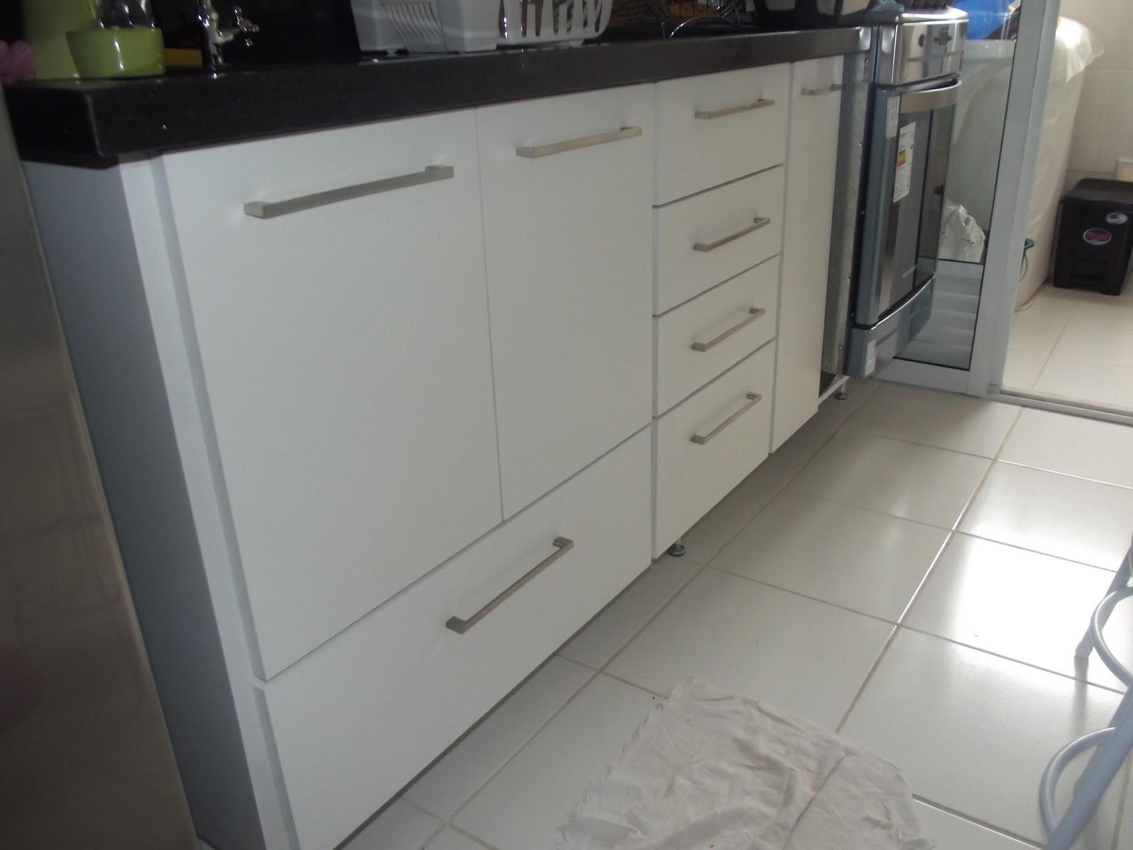 PROJETOS EM MADEIRA MACIÇA E MOVEIS SOB MEDIDA: Cozinha Banheiro e  #57534A 1600 1200