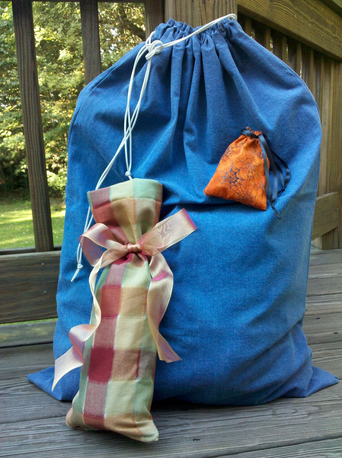 The Crafty Librarian: DRAWSTRING BAGS: ONE TECHNIQUE, MANY USES