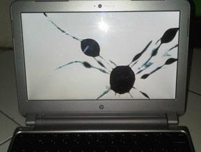 layar laptop pecah