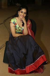 Punarnavi Bhupalam glamorous Pictures 023.JPG