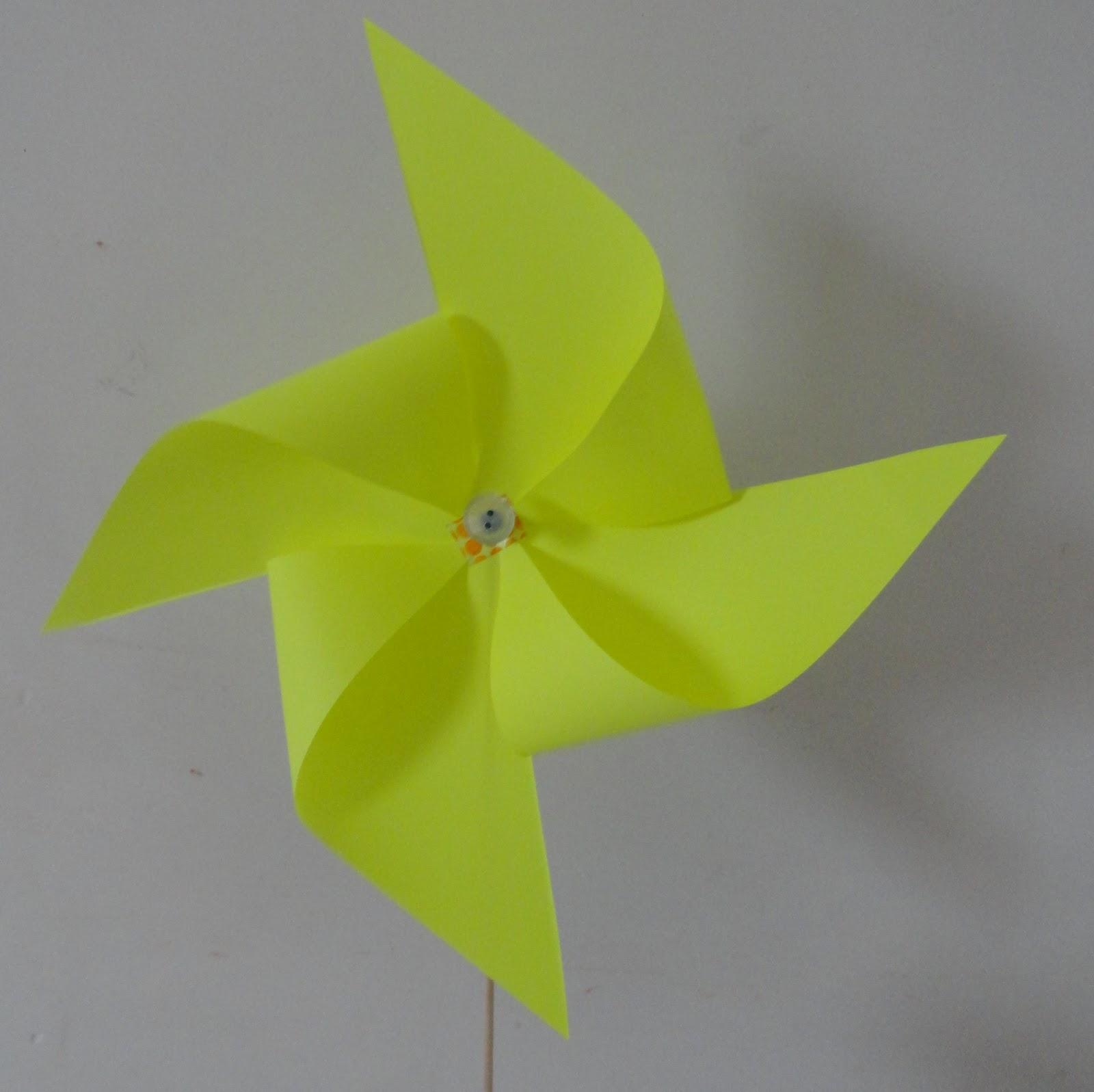 Amaliz cr ations faire un moulin vent en papier - Faire un moulin a vent ...