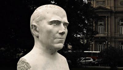 Plaza Lavalle - Busto de Constantino Gaito, autor: Mauro Juan Glorioso