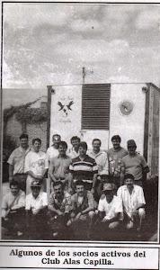 Algunos de los antiguos socios del Club Alas Capilla.