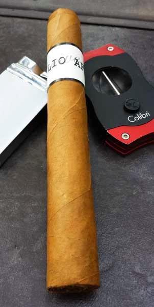 AF Suave Toro Cigar