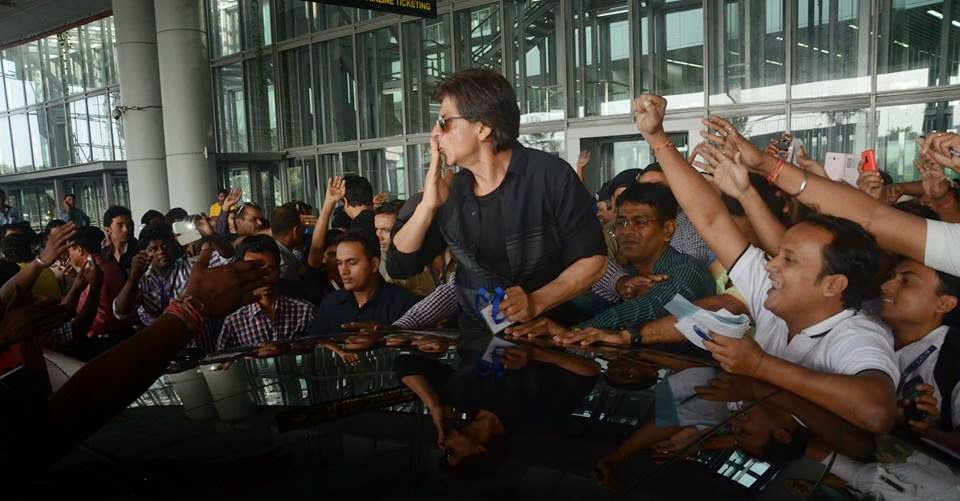 Shahrukh Khan in Kolkata to promote in Happy New Year