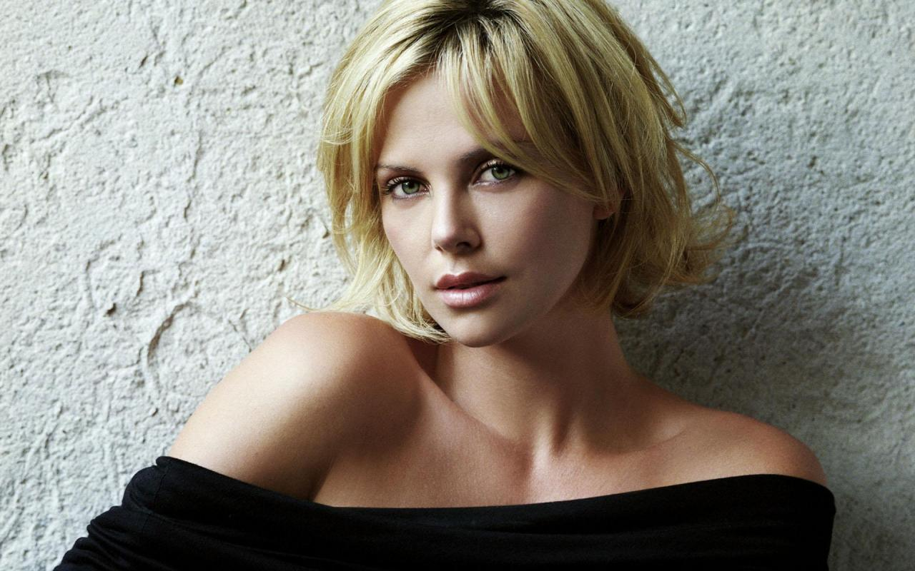 Charlize Theron Hairstyle Trends: Charlize Theron ... Charlize Theron Haircut