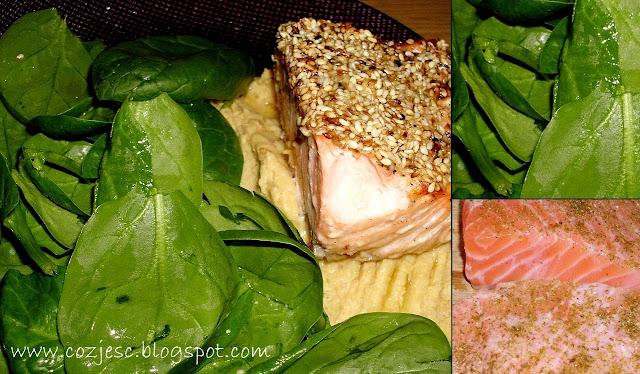 Łosoś w sezamie ze szpinakiem. Przepis na łososia ze szpinakiem, idealny na kolację!