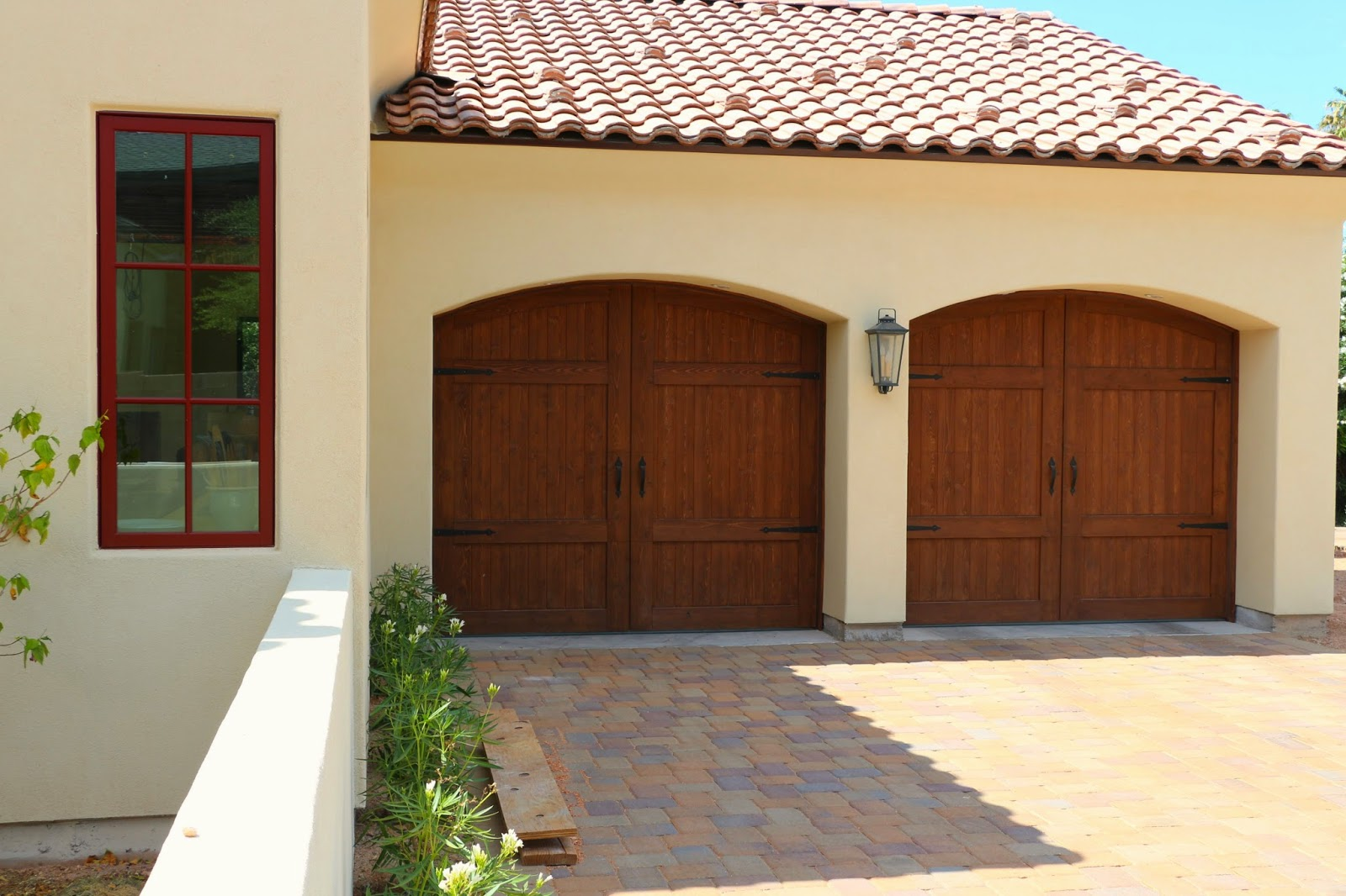 cedar garage doors, stained knotty cedar garage doors, wood rollup garage doors