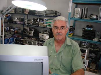 LUIS COSMOS  TECNICO DE RADIO  E TELEVISAO