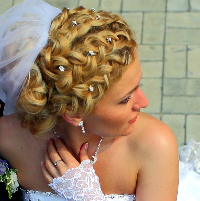 Прически к свадьбе своими руками фото