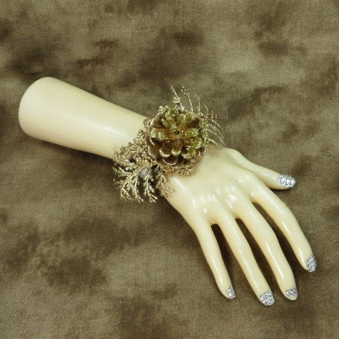 https://www.etsy.com/listing/166401782/jewelry-bracelet-pine-cone-winter-rustic?ref=shop_home_active_3