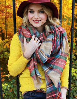 www.lucluc.com/accessories/scarves/lucluc-multi-color-plaid-dency-scarf.html?lucblogger1814