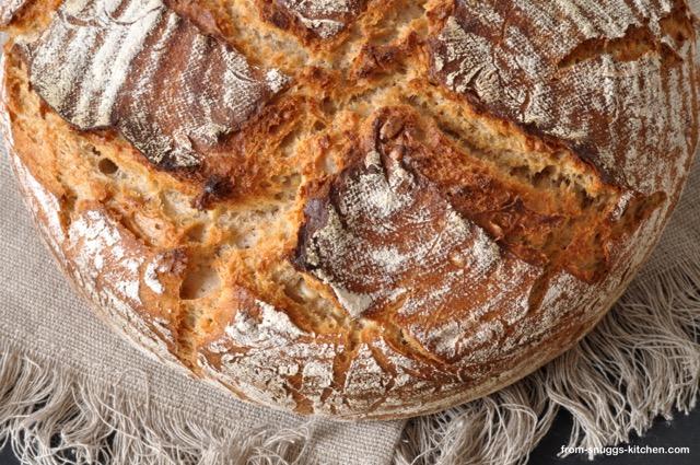 Dinkel-Roggen-Brot mit Couscous und Ayran