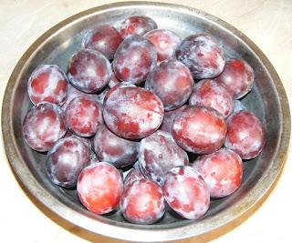 fructe, fruct, prune pentru gem si magiun de casa, retete cu prune, preparate din prune, retete culinare, retete cu fructe, preparate din fructe, prune romanesti proaspete si gustoase pentru prepararea magiunului si gemului, cum se face magiunul de prune fara zahar,