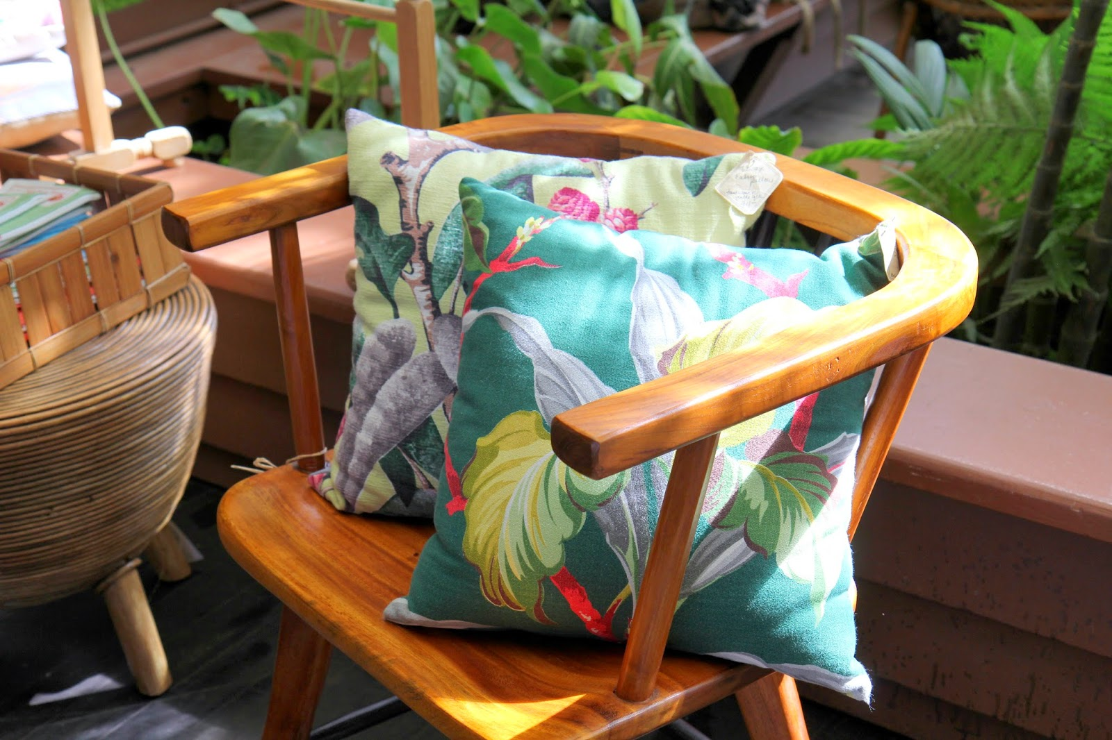 Hawaiian-Pillows-on-Kauai-Island
