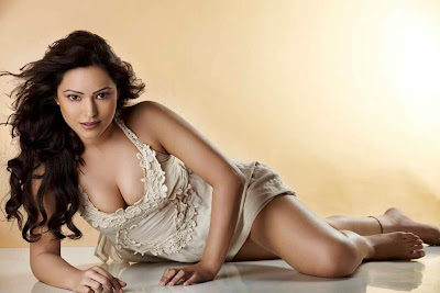 Devshi-Khanduri-Hot-Photos
