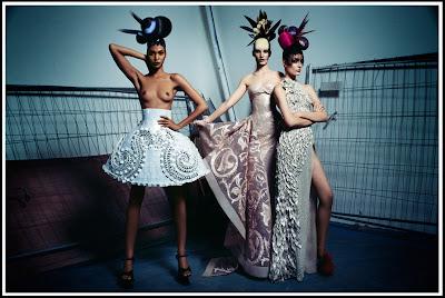 """Joan Smalls pour """"Couture 2011"""" par V #74"""
