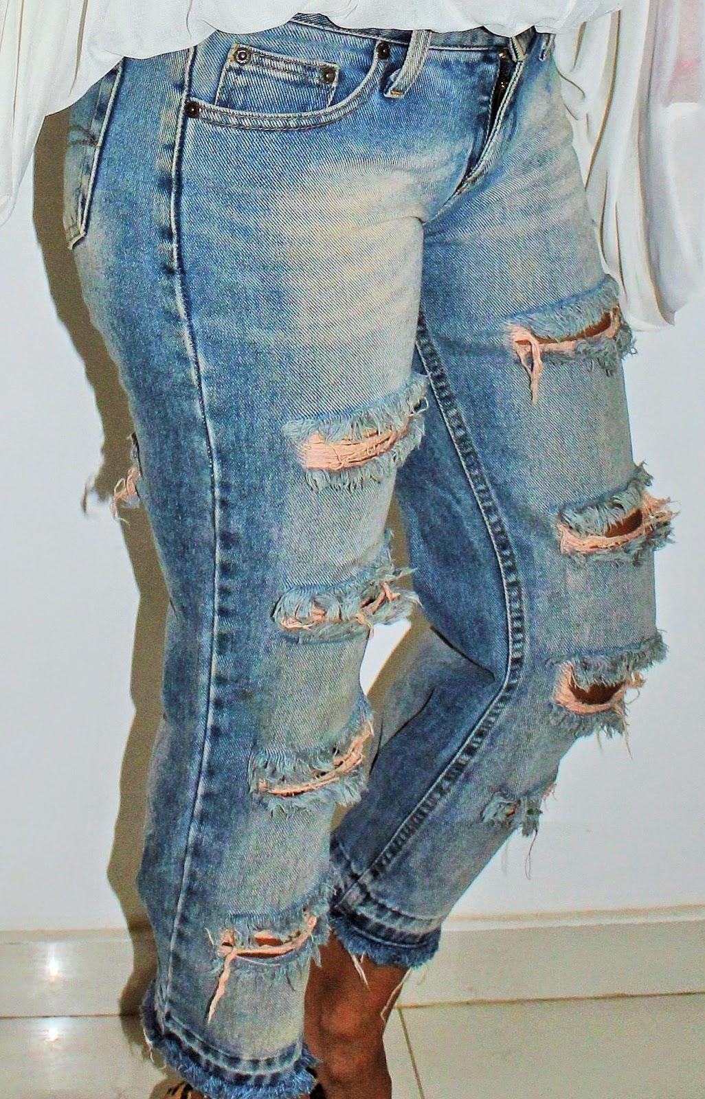 O modelinho da calça que eu vou fazer esse look é uma peça que eu tenho  guardado a anos e sempre que a moda volta eu a uso. Essa aqui. cc9271c03db