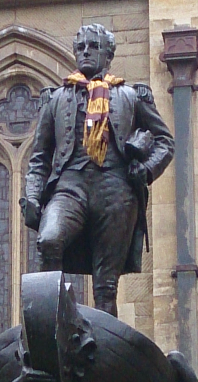 Matthew Flinders with a Hawthorn Scarf