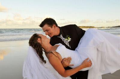 6 Cara Cerdas & Kreatif Menjadi Istri Idaman