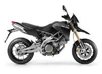 2011-Aprilia-Dorsoduro-750-black