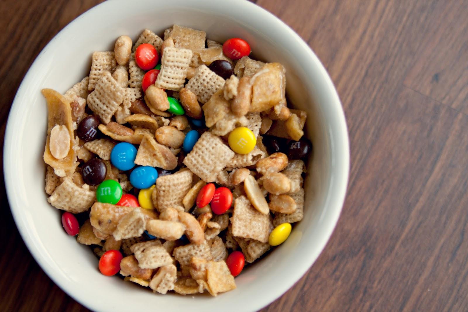 cara cooks: Fritos Sweet Snack Mix