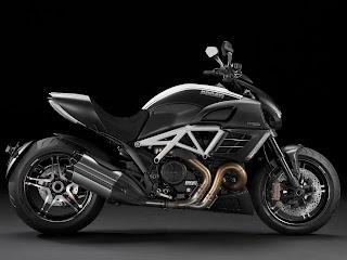 2012 Ducati Diavel AMG Special Edition Gambar Motor 2