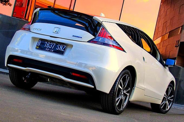 honda cr z mobil sport hybrid test drive performa review. Black Bedroom Furniture Sets. Home Design Ideas