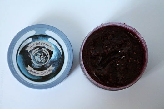 The Extras: Blueberry Body Scrub-Gelee
