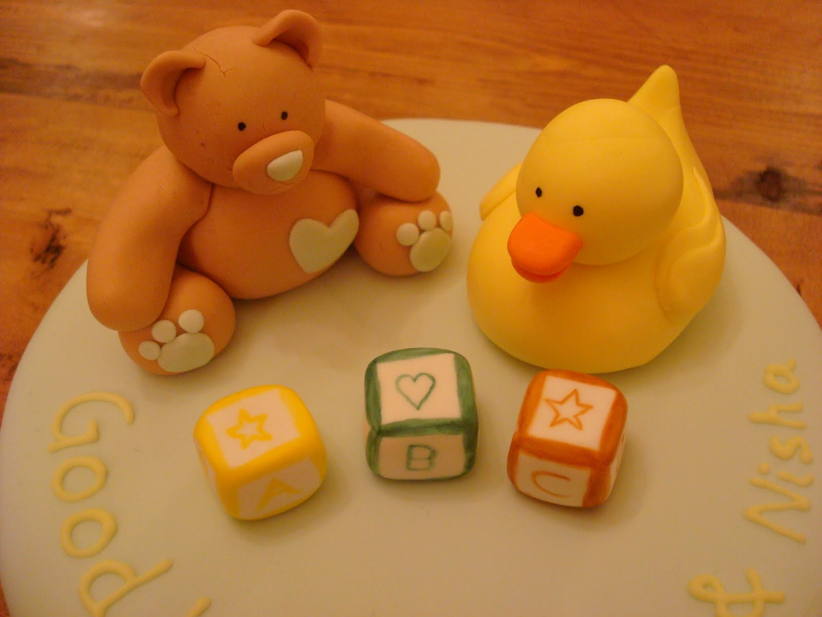 Fondant Cakes & Cupcakes: Baby Bear & Rubber Ducky