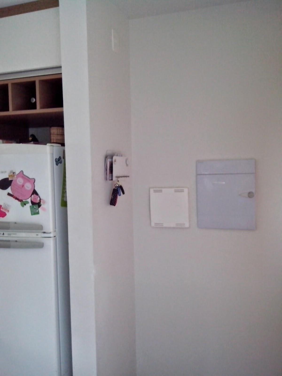 Reforma do meu apê: Papel de parede e espelhos #28191C 1200 1600
