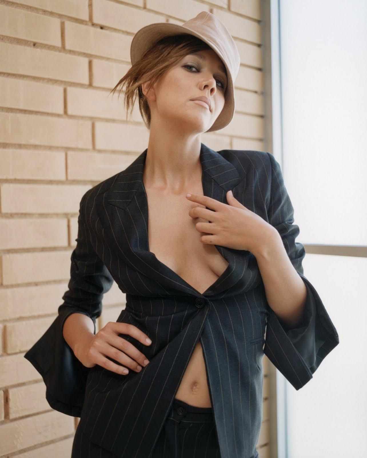 http://1.bp.blogspot.com/-MPwjEJQ_sDQ/TlJHmDrt1TI/AAAAAAAAAIk/aaP6N2CEGCw/s1600/Maggie+Gyllenhaal+.jpg