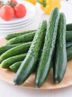 9 loại rau củ quả tốt cho làn da bị mụn