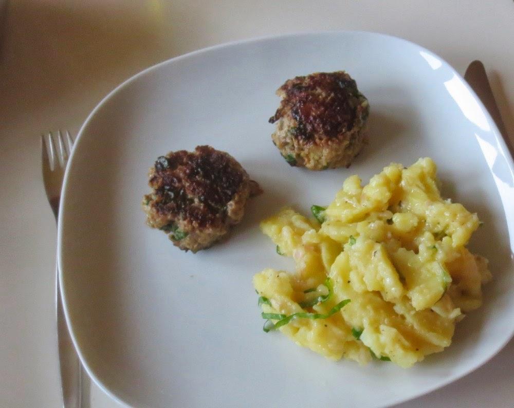Bärlauch-Frikadellen mit Bärlauch-Kartoffelsalat