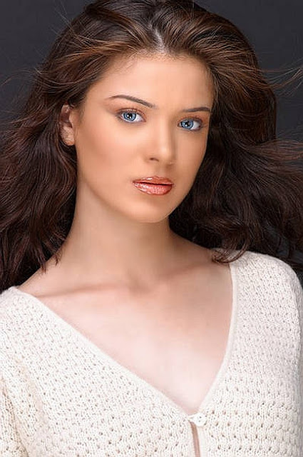 Urvashi Sharma-bollywood women-hot bollywood women-bollywood
