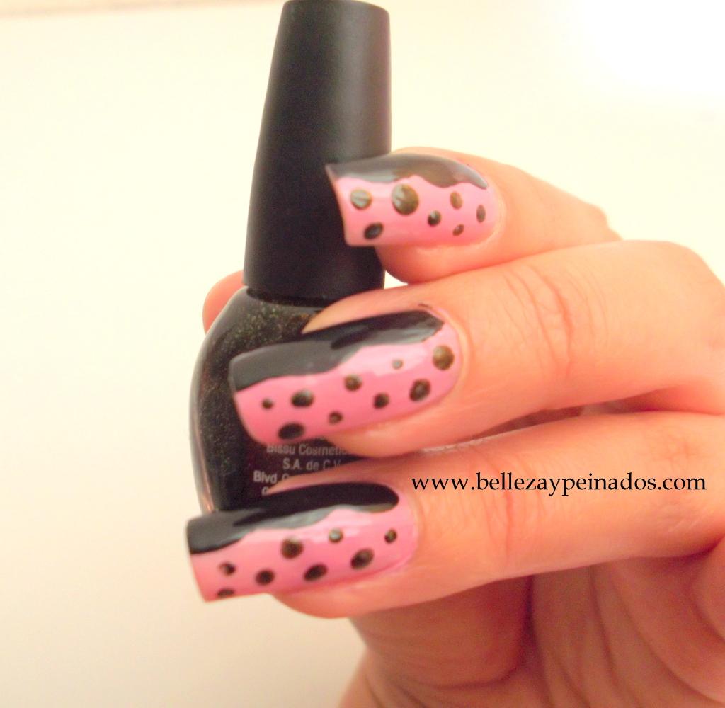 Modelos de uñas decoradas con puntos