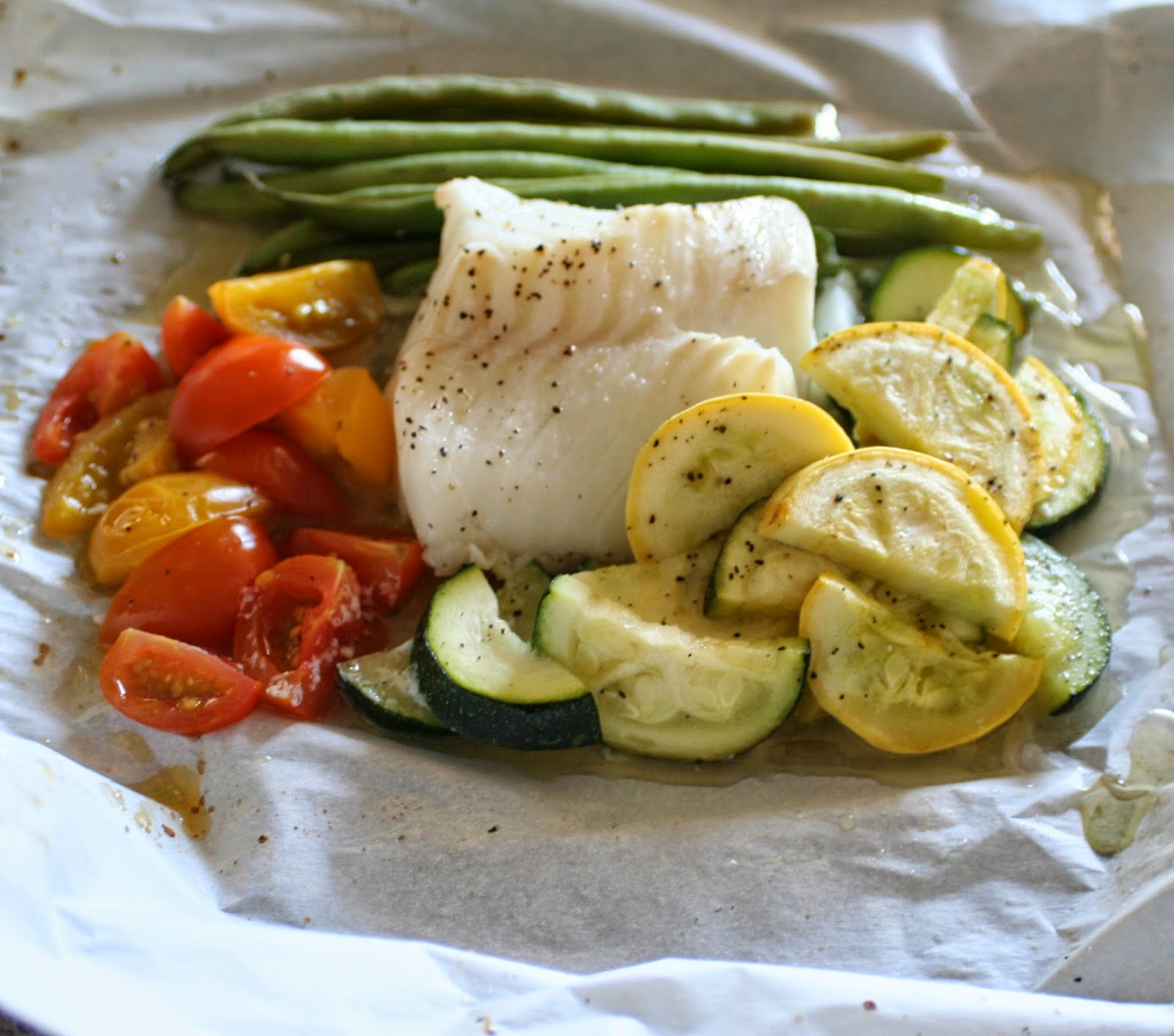 Baked cod with veggies in parchment jordan 39 s easy for How to bake cod fish in the oven