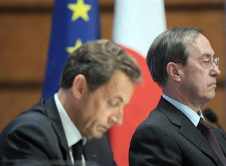 Un versement de 500.000 euros découvert chez Guéant, selon le Canard Enchaîné