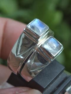 cincin tunangan biduri laut
