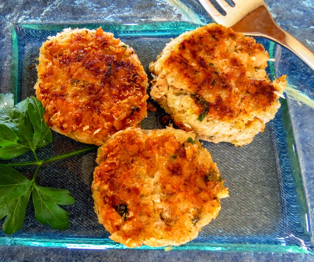 Dish Salmon Croquettes: OnTheMove-In The Galley: Salmon Croquettes With Creamy