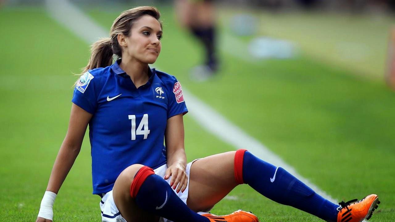 Famous women football players