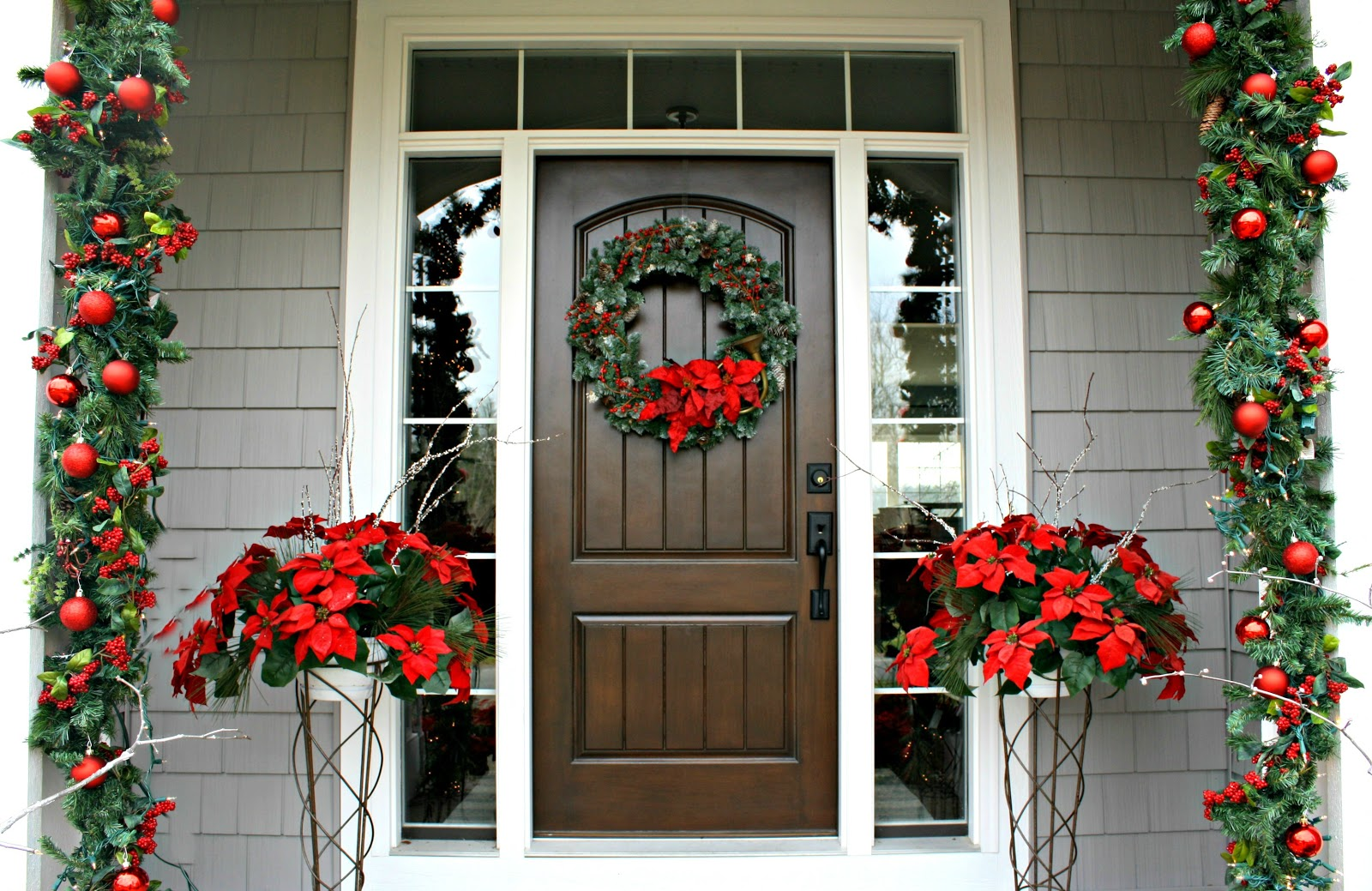 Christmas front door the lilypad cottage Outdoor christmas garland ideas