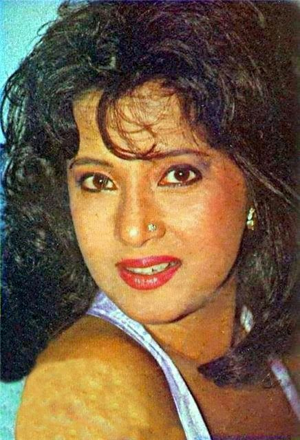 hot Bengali Actress Moon Moon Sen