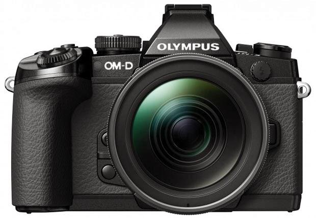 Fotografia frontale della Olympus OM-D E-M1