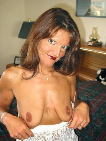 Kleine breasted Frauen vids