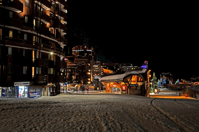 Авориаз фестиваль курорт горные лыжи горы ночь снег