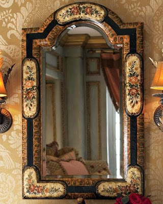 Classical mirror for living rooms wall