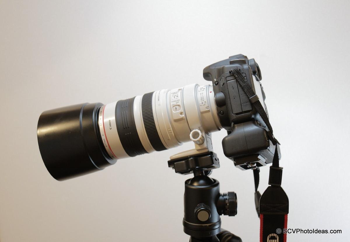 Canon EOS 50D+BG-E2N+EF 100-400 L IS USM on lens foot retracted
