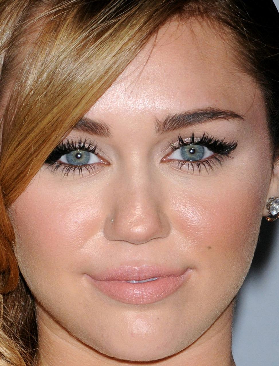 Amazoncom  MAC Lipstick Viva Glam Miley Cyrus  Beauty
